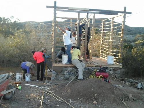construccion de baños  secos kalpulli 2016